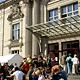 Bei strahlendem Sonnenschein haben sich 20 000 Besucher beim Tag der offenen Tür in Fürth vom der Veranstaltungsvielfalt begeistern lassen.