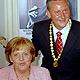 Hoher Besuch im Stadttheater: Anlässlich des 110. Geburtstags von Ludwig Erhard kam Bundeskanzlerin Angela Merkel in die Kleeblattstadt.