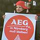 Realer Politikunterricht: Eine Abschlussklasse der Hans-Böckler-Schule besuchte das Streikzelt der AEG-Beschäftigten.