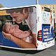 Neue Frauenklinik und infra werben für den Geburtsort Kleeblattstadt mit einem lustig gestalteten Baby-Bus.