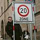 Im Gebiet um das Rathaus gilt seit einigen Tagen flächendeckend das Tempolimit von 20 Kilometern pro Stunde.