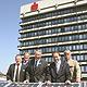 Die Sparkasse Fürth setzt im Jubiläumsjahr der Stadt mit einer mit einer 50- Kilowatt-Photovoltaikanlage auf die Nutzung von Sonnenenergie.