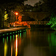 Die Uferpromenade präsentiert sich noch romantischer. Seit Ende August zeichnen LED-Leuchten ein grünes Licht auf die Rednitz.