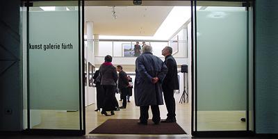 Die kunst galerie ist ein kleiner, feiner Ort für kunstinteressierte Menschen. Gezeigt werden in wechselnden Ausstellungen Werke namhafter, nationaler und internationaler Künstler.