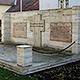Die Stiftung Sack-Bislohe-Braunsbach hat 7000 Euro beigesteuert, um das Denkmal für die Gefallenen der beiden Weltkriege in Sack zu renovieren.