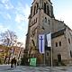 Neugestalteter Dr.-Martin-Luther-Platz bietet nach umfangreichen Umbaumaßnahmen urbane Aufenthaltsqualität und barrierefreien Kirchenzugang.