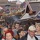 Gut besucht trotz fehlender Mega-Fahrgeschäfte: Die Kärwa in der Kleeblattstadt erfreut sich dank des einzigartigen Flairs einer waschechten Straßen- kirchweih steigender Beliebtheit.