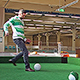 """Einmaliges Angebot in Bayern: Bei """"indoor Sport"""" in der Lehyer Straße kann jetzt auch Fußballbillard gespielt werden."""