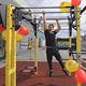 In der Leyher Straße steht frei zugänglich ein Outdoor-Fitnessgerät, das kostenlos genutzt werden kann.