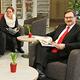 Dank der Sparkasse und tatkräftiger Unterstützung von Flamme Möbel wurde die ehemalige Leseecke in der Vobü zum gemütlichen Zeitungscafé aufgewertet.