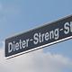 Im Gewerbegebiet Hardhöhe-West erinnert eine neue Straße an den erfolgreichen Unternehmer Dieter Streng.