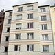 Die Wohnungsbaugenossenschaft WBG hat für Klinikmitarbeiterinnen und -mitarbeiter ein Personalwohnheim an der Stadtgrenze gebaut.