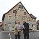 Schon bald beginnen die Sanierungsarbeiten an dem denkmalgeschützten Gebäude in Burgfarrnbach. 2019 soll dann ein Hort für 35 Kinder eröffnen.