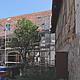 Hinter den schmucklosen Mauern in der Bäumen- Ecke Schirmstraße verbirgt sich ein Immobilien-Schatz, der nun behutsam gehoben und restauriert wird.