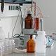 Im Labor wird die ständige Überwachung des Abwassers während des Reinigungsprozesses sicher gestellt.