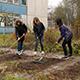 Praktisches Wissen über Insektenschutz und Artensvielfalt erhalten Schülerinnen und Schüler  im Rahmen eines Umweltbildungsprojekts.