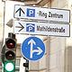 """Die Stadt Fürth hat ein kostengünstiges Verkehrs- leitsystem mit """"Park-Ring""""-Beschilderung eingeführt, um den Bürgern die Parkplatzsuche zu erleichtern."""
