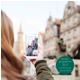 """Druckfrisch, in modernem Design und mit spannenden Touren ist die Broschüre  """"Stadtspaziergänge 2017""""  der Tourist-Information Fürth erschienen."""