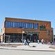 Die Naturkostmarkt-Kette ebl hat auf der Hardhöhe ihren zweiten Fürther Markt eröffnet, zu dem auch ein Café mit Terrasse gehört.