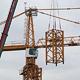 Für die Hochbauarbeiten hat Investor MIB einen Kran, der so hoch ist wie der Rathausturm, aufgestellt. Tunnelbauarbeiten beginnen.